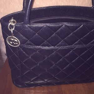 5b90bcc9b471 Add l Photos Not for Sale -Chanel Medallion Tote